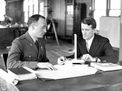 yeager_and_gatty_discussing_drift_meter_-_feb_5_1932_-_international_newsreel_photo_-_604827