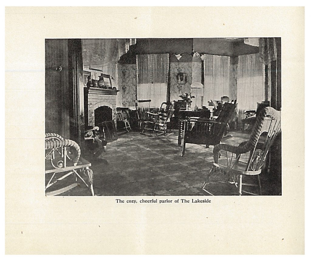parlor at Lakeside